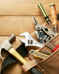 Rokas instrumenti un piederumi